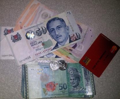 Dolar, Ringgit, dan Kartu Debit BII